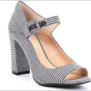 NWT VINCE CAMUTO selmar Mary Janes